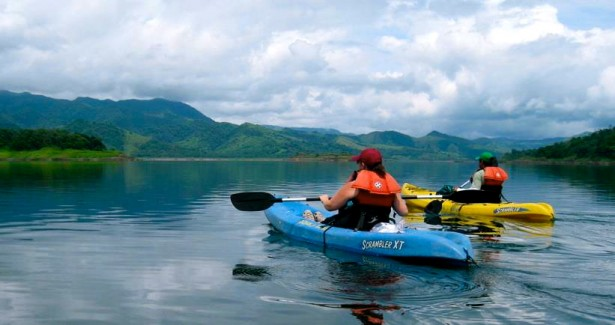 lake_arenal_kayak